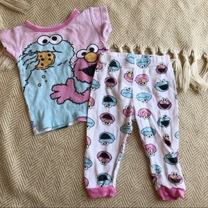 Sesame Street Pajama Set 12mo